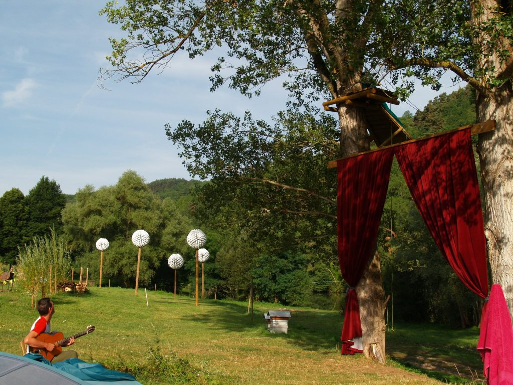 Cosy camp 4